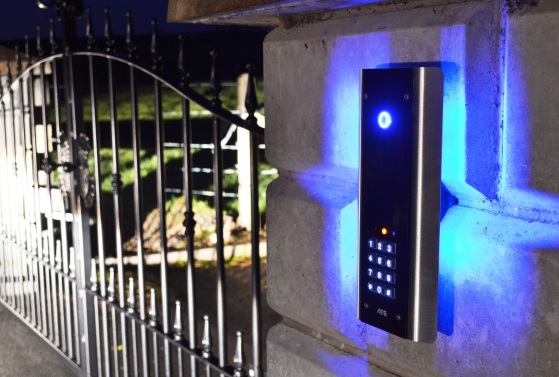 Access control intercom systems for electric gates