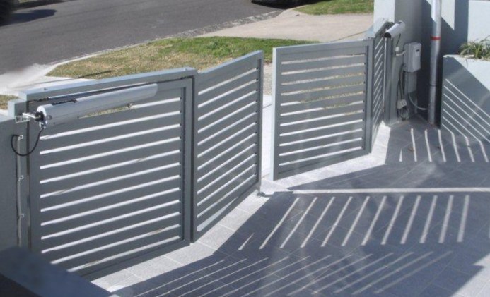 Bi-fold gates where space is limited