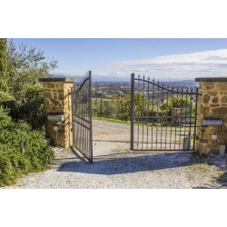 Six Benefits of an Automated Swing Gate