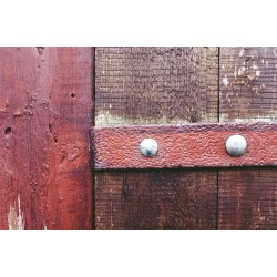 How to Maintain a Wooden Gate