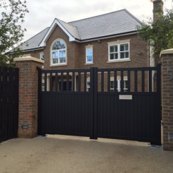 Why Electric Gates are Great for Country Houses