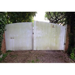 What's Wrong With Wooden Gates?