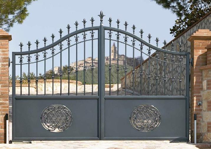 Low maintenance, beautiful aluminium driveway gates