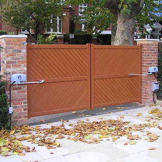White finish aluminum gate automation