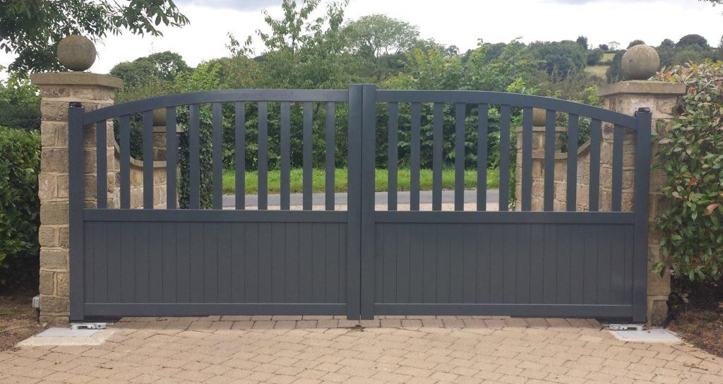 Anthracite grey aluminium gates