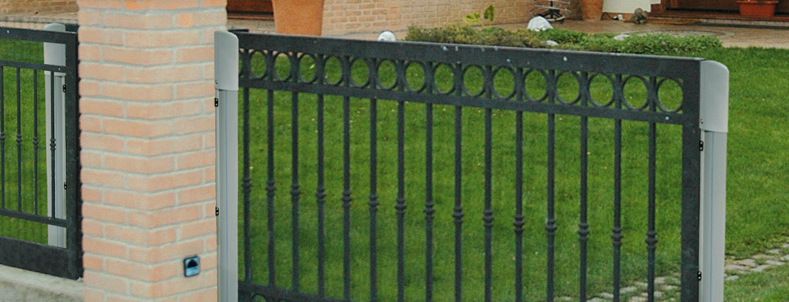 Safety edges for driveway gates