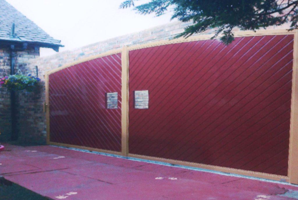 Bordeaux red aluminium gates